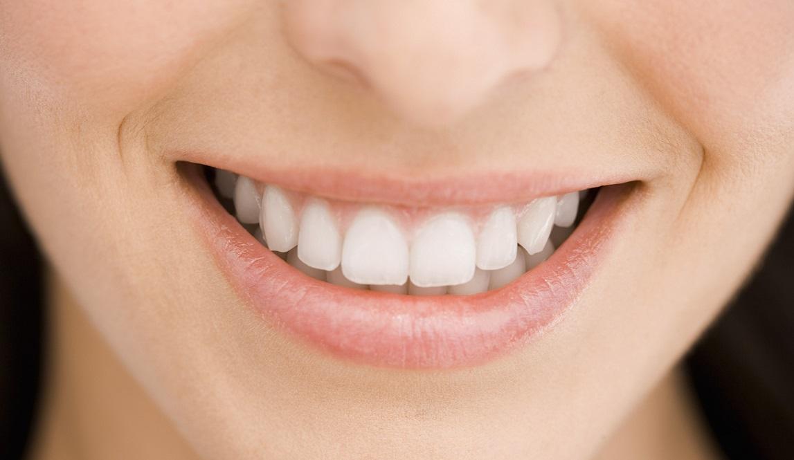 белоснежные зубы с тайским средством