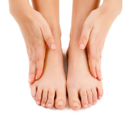 Чем лучше вылечить грибок ногтей на ногах?